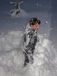 Bilde av Knut-Olav Hoven i snø og dekt av snø